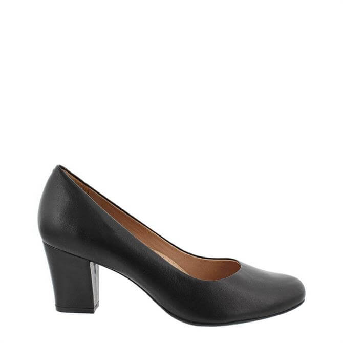 Carl Scarpa Yvonne Courts Black