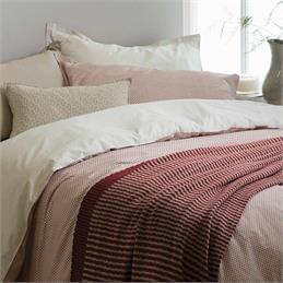 Murmur Shima Quilt Cover: Red